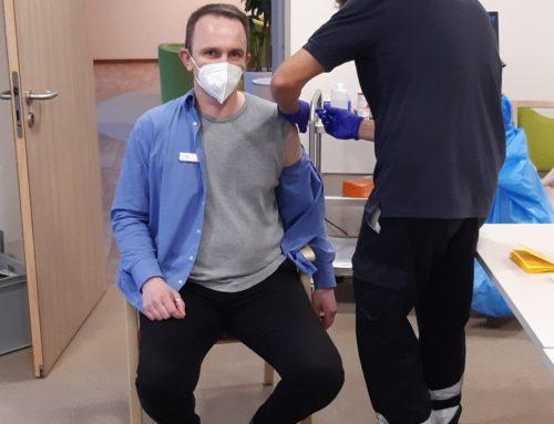 """Corona-Impfung in den VitaCare Seniorenresidenzen """"Am Schloß"""" und """"Stampfmühle"""""""